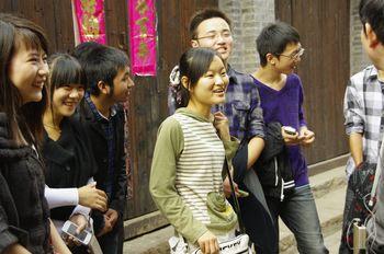 t__河下古鎮の学生たち.jpg